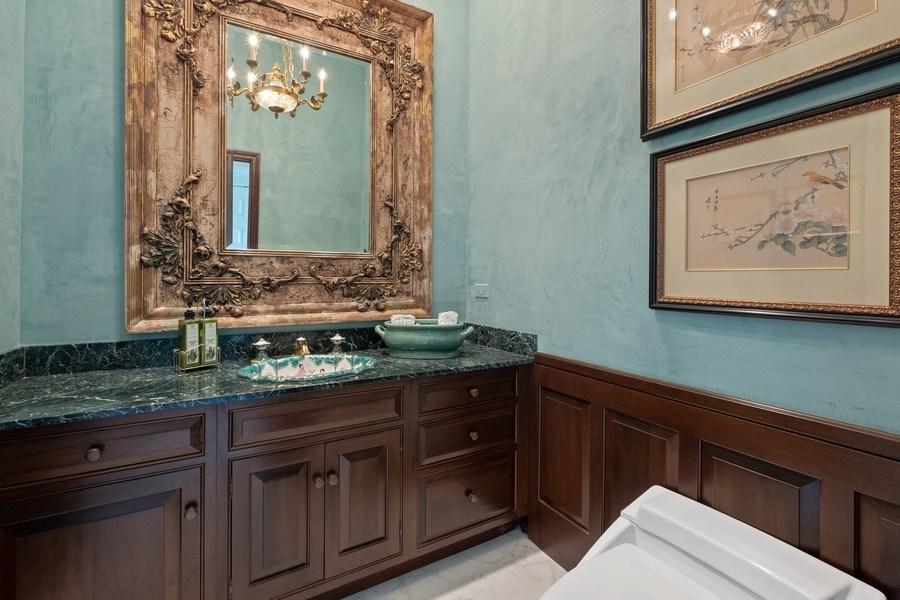 Real Estate Photography - 663 Circle Ln, Lake Forest, IL, 60045 - Half Bath