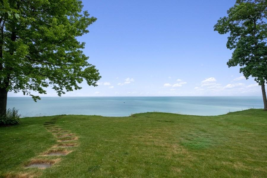 Real Estate Photography - 663 Circle Ln, Lake Forest, IL, 60045 - Lake View