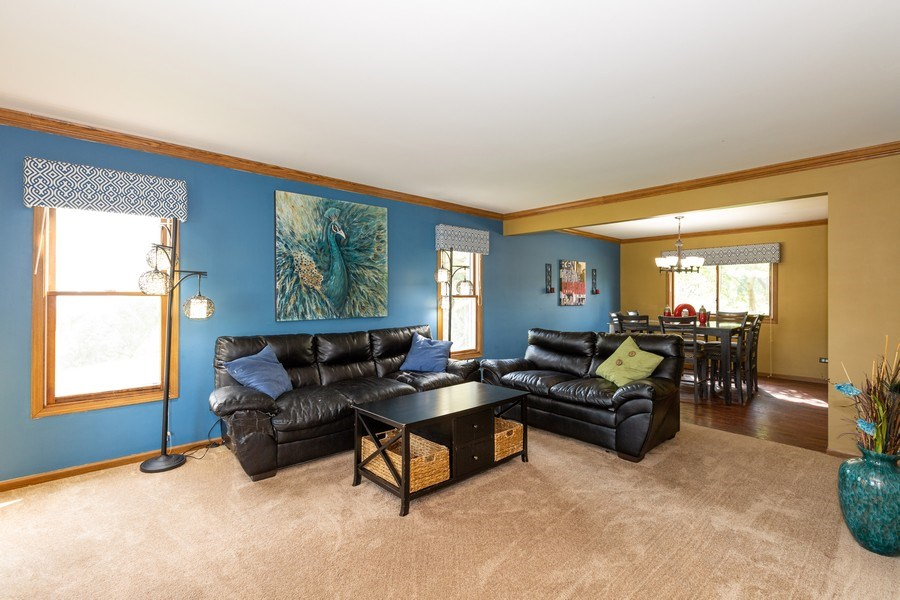 Real Estate Photography - 700 Auburn Ct, Crystal Lake, IL, 60014 - Living Room