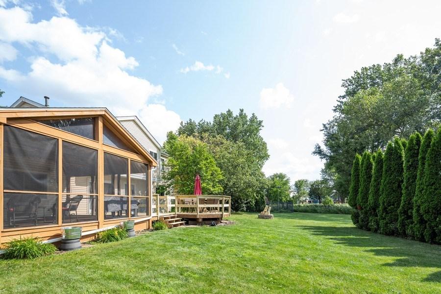 Real Estate Photography - 700 Auburn Ct, Crystal Lake, IL, 60014 - Back Yard