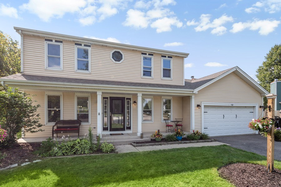 Real Estate Photography - 700 Auburn Ct, Crystal Lake, IL, 60014 - Front View