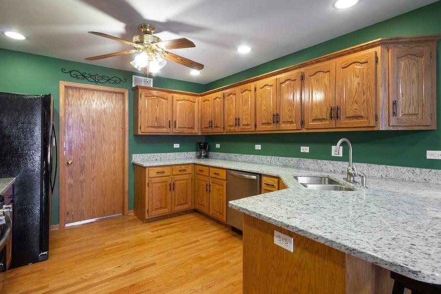Real Estate Photography - 638 Superior Drive, Romeoville, IL, 60446 - Kitchen