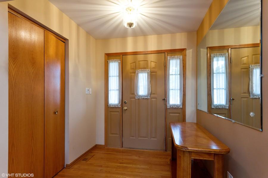 Real Estate Photography - 638 Superior Drive, Romeoville, IL, 60446 - Foyer