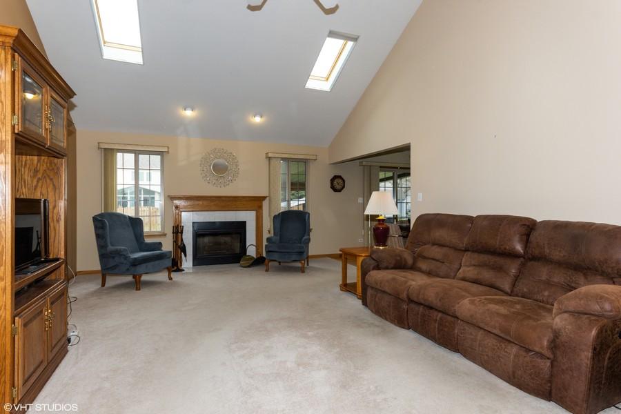 Real Estate Photography - 638 Superior Drive, Romeoville, IL, 60446 -