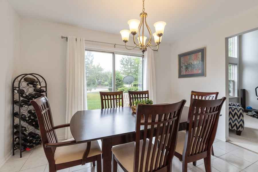 Real Estate Photography - 437 Ashwood Ct, Lindenhurst, IL, 60046 - Breakfast Area