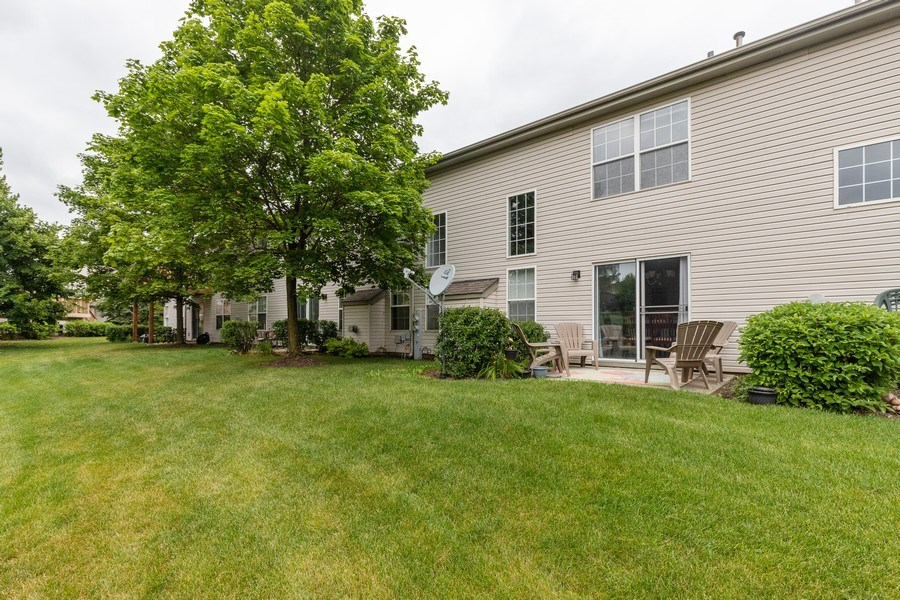 Real Estate Photography - 437 Ashwood Ct, Lindenhurst, IL, 60046 - Rear View