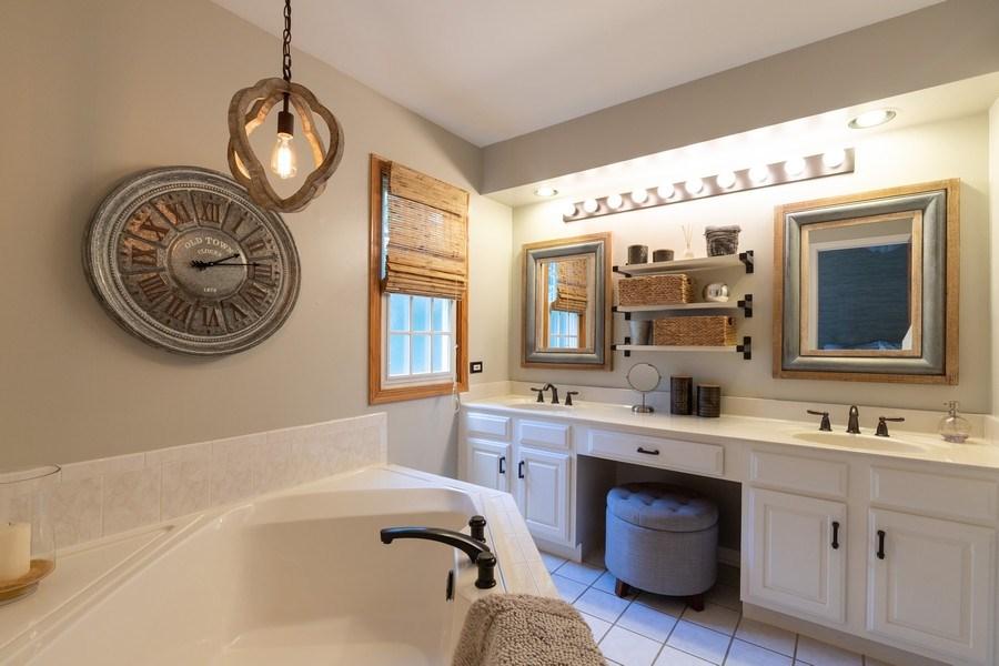 Real Estate Photography - 1128 Chesapeake Blvd, Grayslake, IL, 60030 - Master Bathroom