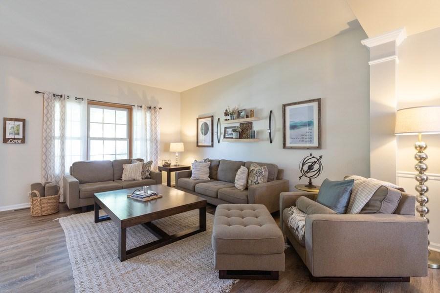 Real Estate Photography - 1128 Chesapeake Blvd, Grayslake, IL, 60030 - Living Room