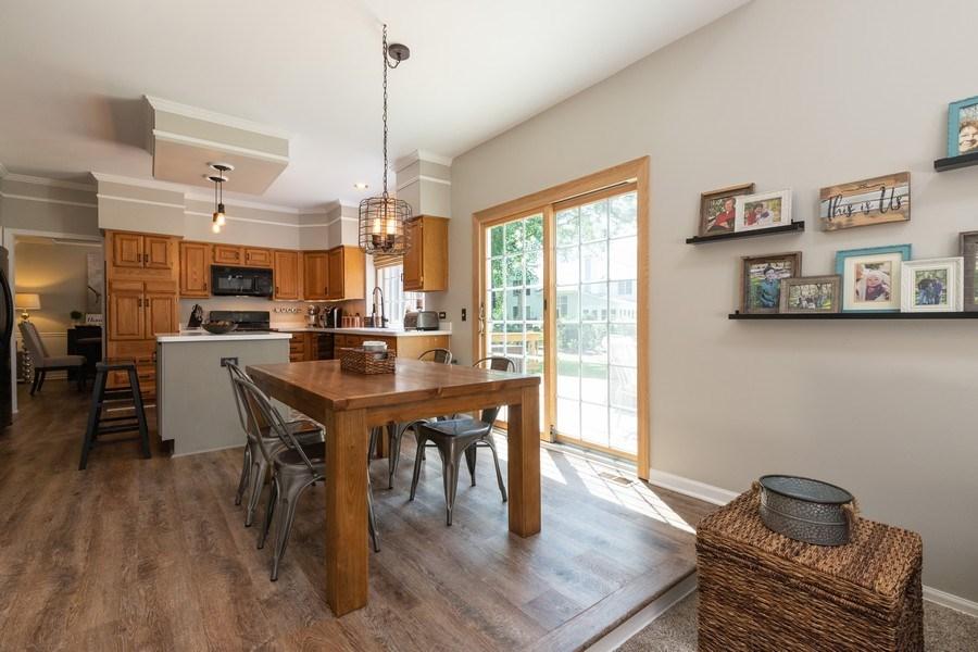 Real Estate Photography - 1128 Chesapeake Blvd, Grayslake, IL, 60030 - Kitchen / Breakfast Room