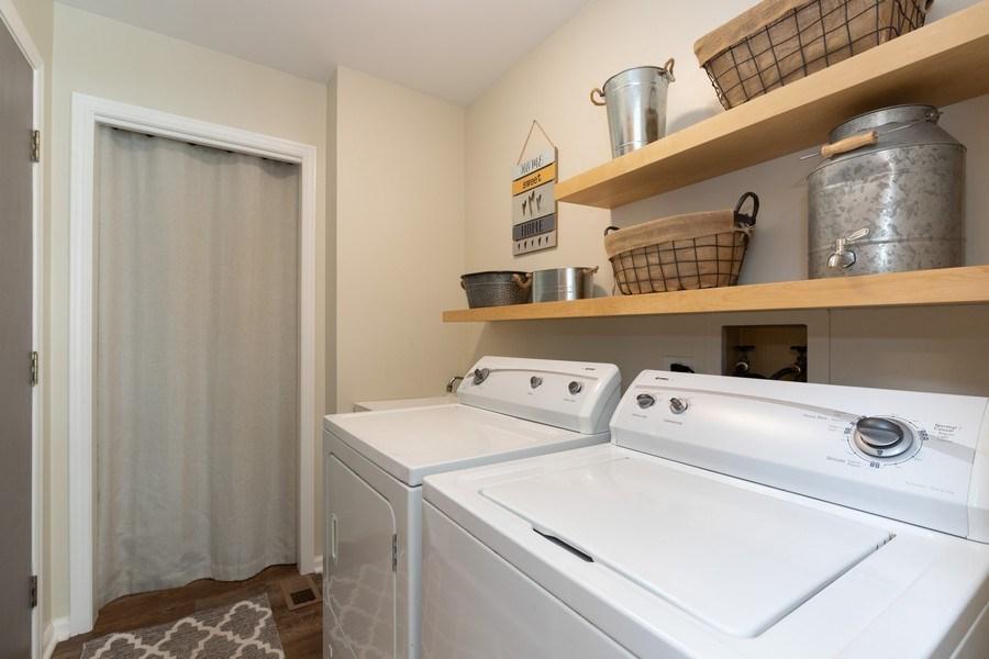 Real Estate Photography - 1128 Chesapeake Blvd, Grayslake, IL, 60030 - Laundry Room
