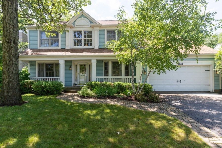 Real Estate Photography - 1128 Chesapeake Blvd, Grayslake, IL, 60030 - Front View