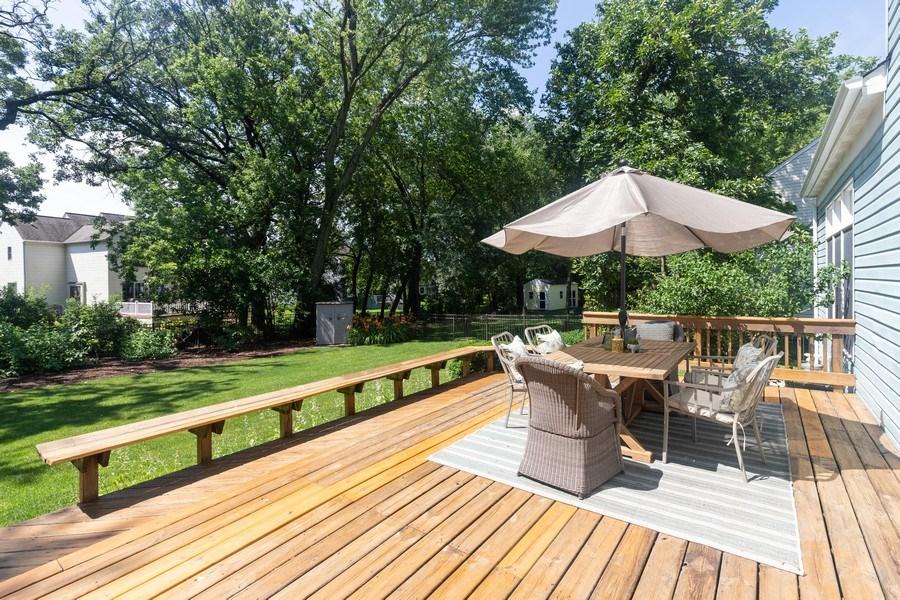 Real Estate Photography - 1128 Chesapeake Blvd, Grayslake, IL, 60030 - Deck