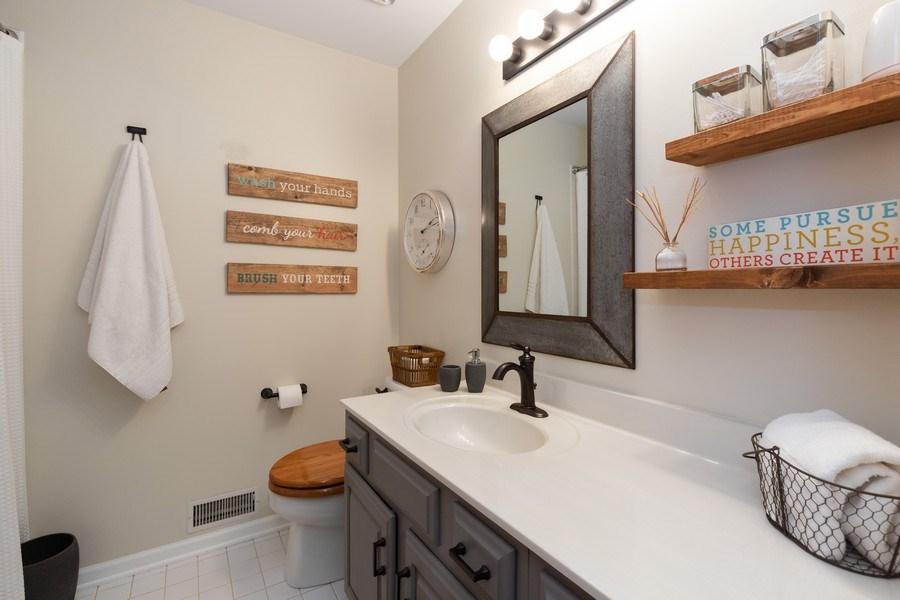 Real Estate Photography - 1128 Chesapeake Blvd, Grayslake, IL, 60030 - 2nd Bathroom