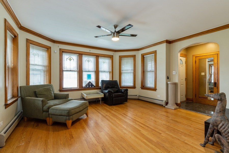 Real Estate Photography - 3703 Cuyler Ave, Berwyn, IL, 60402 - Living Room