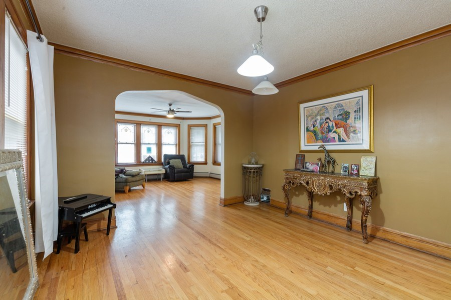 Real Estate Photography - 3703 Cuyler Ave, Berwyn, IL, 60402 - Dining Room