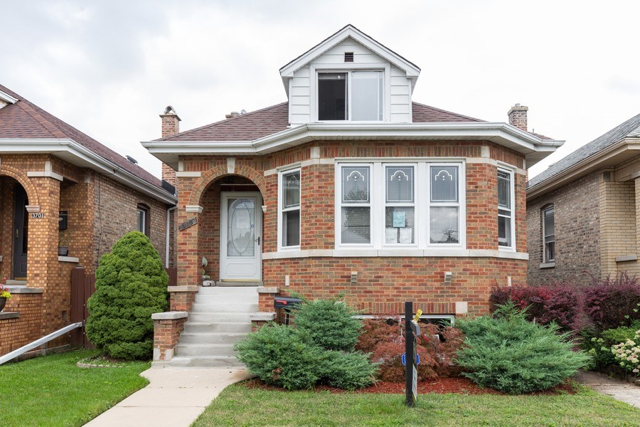 Real Estate Photography - 3703 Cuyler Ave, Berwyn, IL, 60402 - Front View