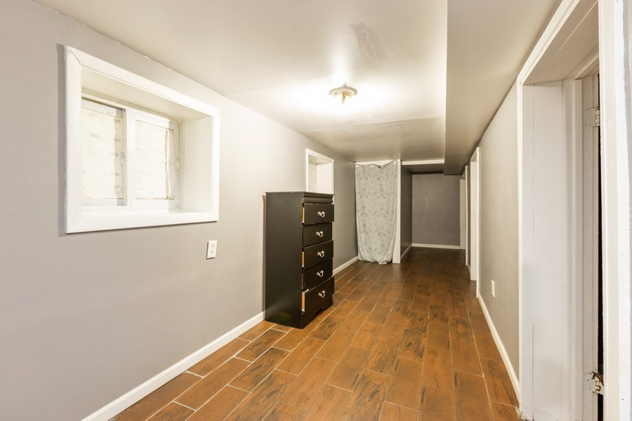 Real Estate Photography - 1122 N. Wolcott Avenue, Chicago, IL, 60622 - Hallway