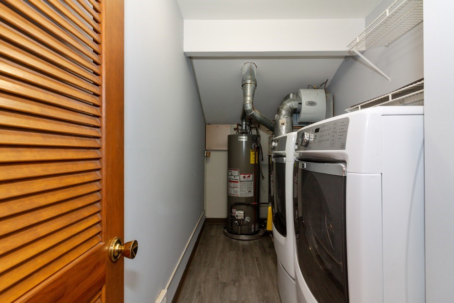Real Estate Photography - 804 N. TAMARAC Boulevard, Addison, IL, 60101 - Laundry Room