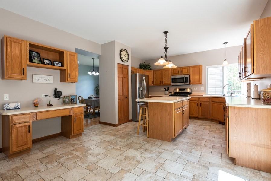 Real Estate Photography - 3 Fieldcrest Court, Algonquin, IL, 60102 - Kitchen