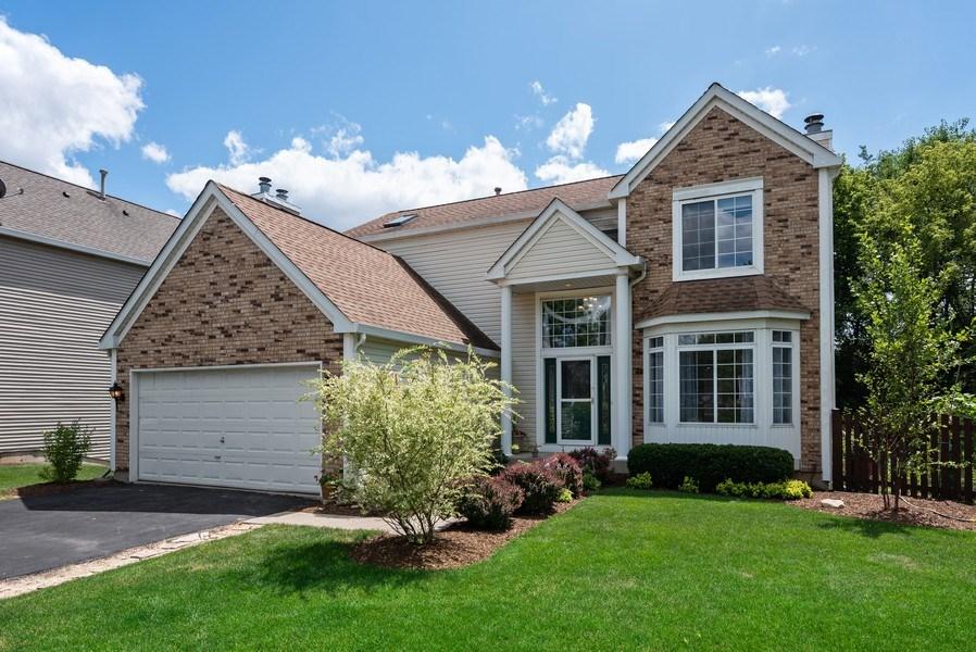 Real Estate Photography - 3 Fieldcrest Court, Algonquin, IL, 60102 - Front View