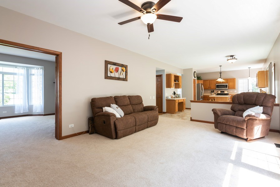 Real Estate Photography - 3 Fieldcrest Court, Algonquin, IL, 60102 - Family Room