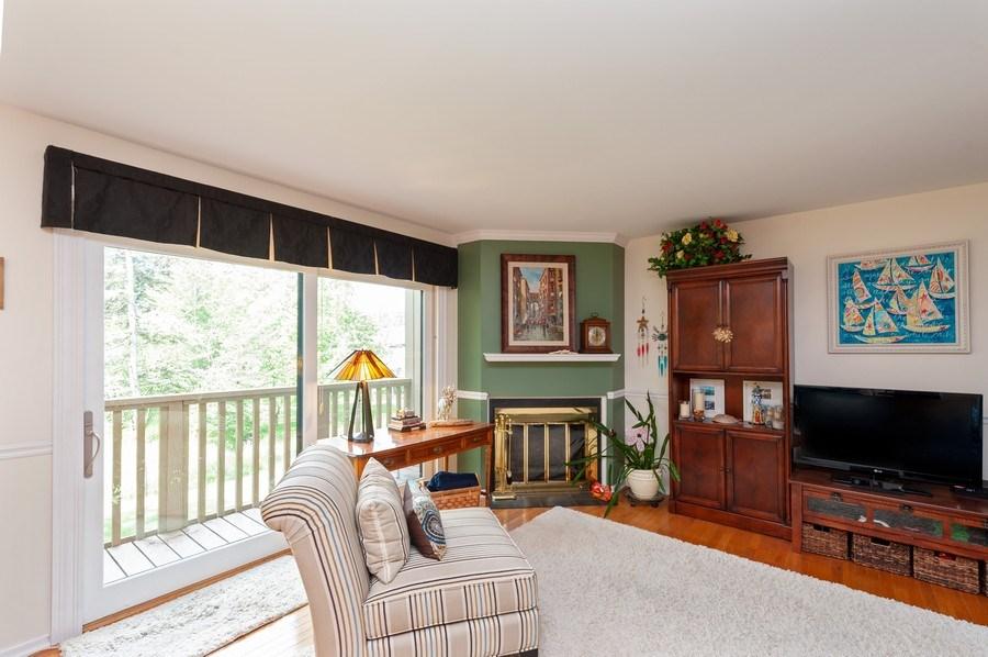 Real Estate Photography - 801 Oak Hill Road, Unit 471, Lake Barrington, IL, 60010 - Living Room