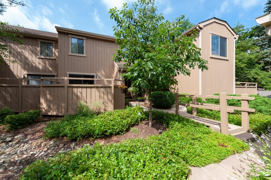 Real Estate Photography - 801 Oak Hill Road, Unit 471, Lake Barrington, IL, 60010 - Front View