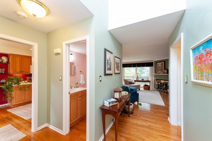 Real Estate Photography - 801 Oak Hill Road, Unit 471, Lake Barrington, IL, 60010 - Entryway