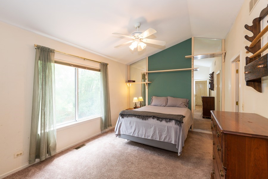 Real Estate Photography - 2269 N. Pheasant Ridge Court, Round Lake Beach, IL, 60073 - Large master bedroom w/vaulted ceiling