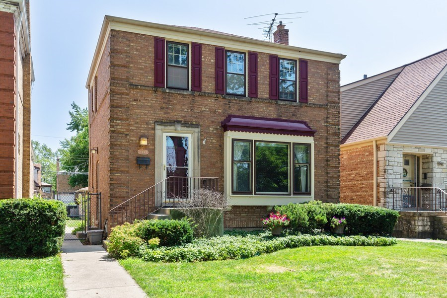 Real Estate Photography - 6443 N. Ogallah Avenue, Chicago, IL, 60631 - Front View