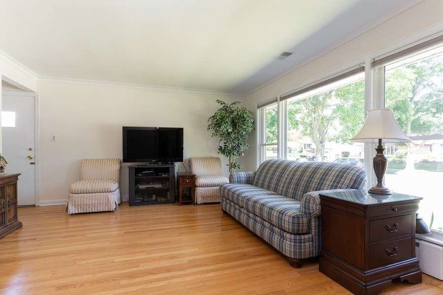 Real Estate Photography - 118 S. BELMONT Avenue, Arlington Heights, IL, 60005 - Living Room