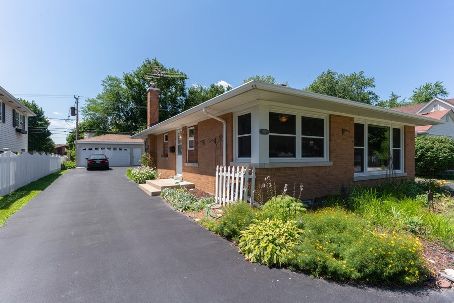 Real Estate Photography - 118 S. BELMONT Avenue, Arlington Heights, IL, 60005 - Front View