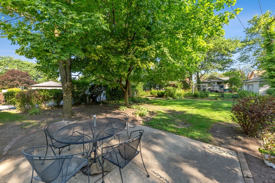 Real Estate Photography - 264 Addison Rd, Riverside, IL, 60546 - Back Yard