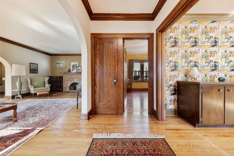 Real Estate Photography - 264 Addison Rd, Riverside, IL, 60546 - Foyer