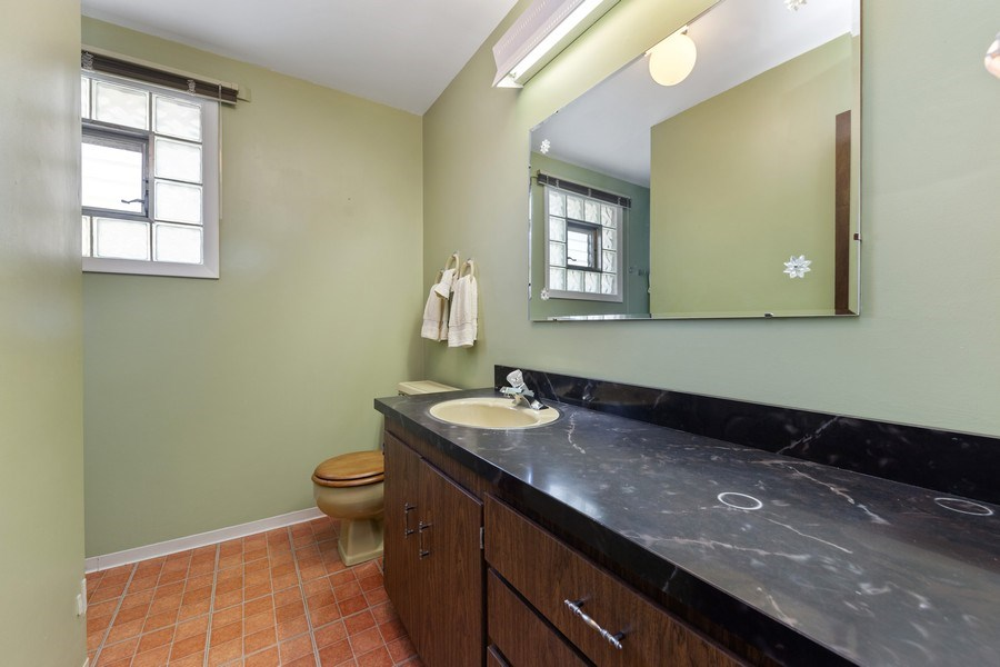 Real Estate Photography - 264 Addison Rd, Riverside, IL, 60546 - 2nd Bathroom