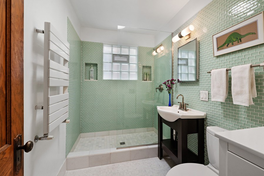 Real Estate Photography - 1440 W. Rascher Ave, Chicago, IL, 60640 - Bathroom