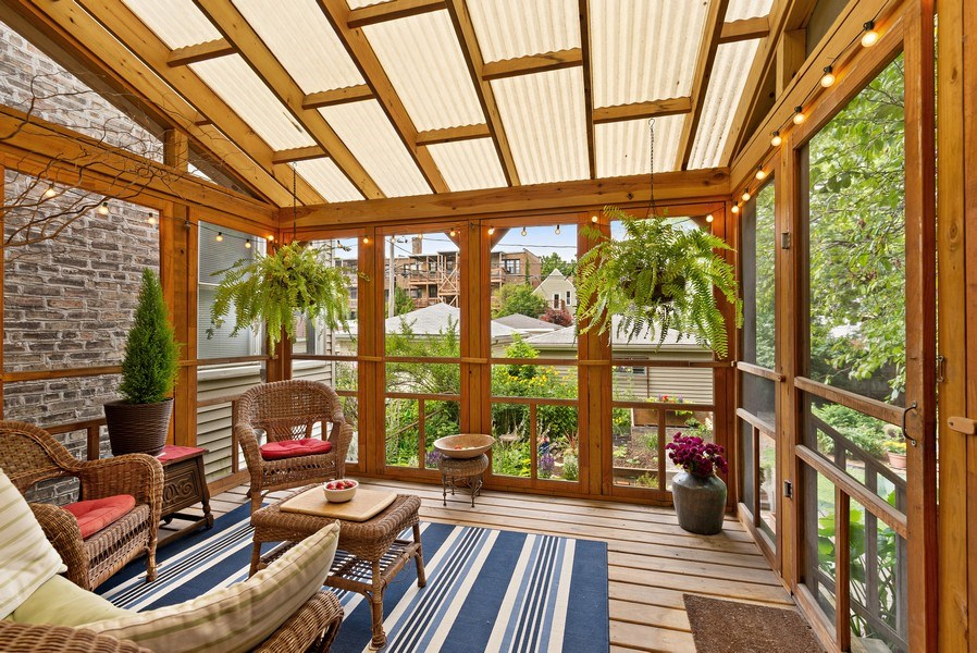 Real Estate Photography - 1440 W. Rascher Ave, Chicago, IL, 60640 - Sun Room