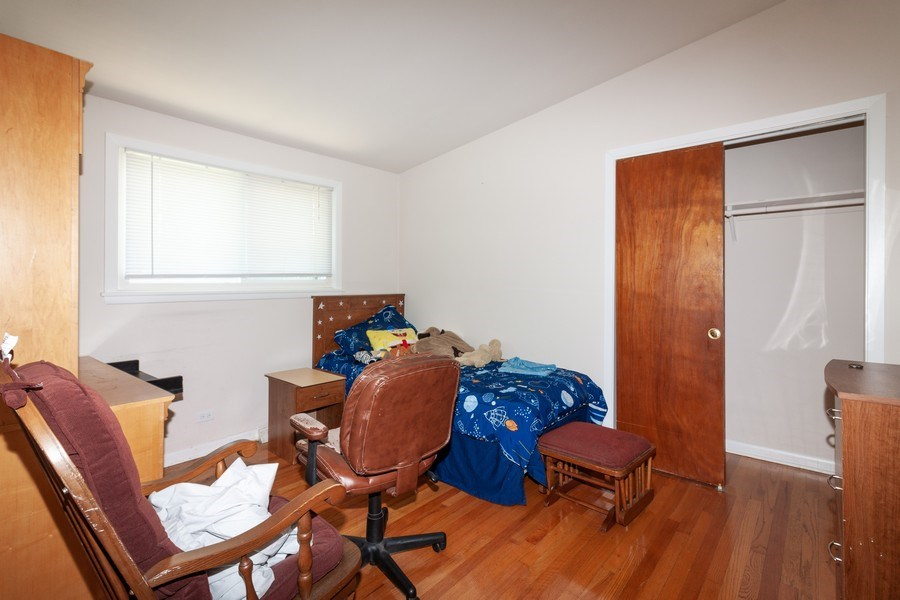 Real Estate Photography - 17W062 Hawthorne Avenue, Bensenville, IL, 60106 - 2nd Bedroom