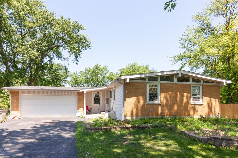Real Estate Photography - 17W062 Hawthorne Avenue, Bensenville, IL, 60106 - Front View