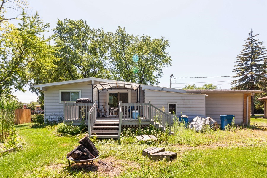 Real Estate Photography - 17W062 Hawthorne Avenue, Bensenville, IL, 60106 - Rear View