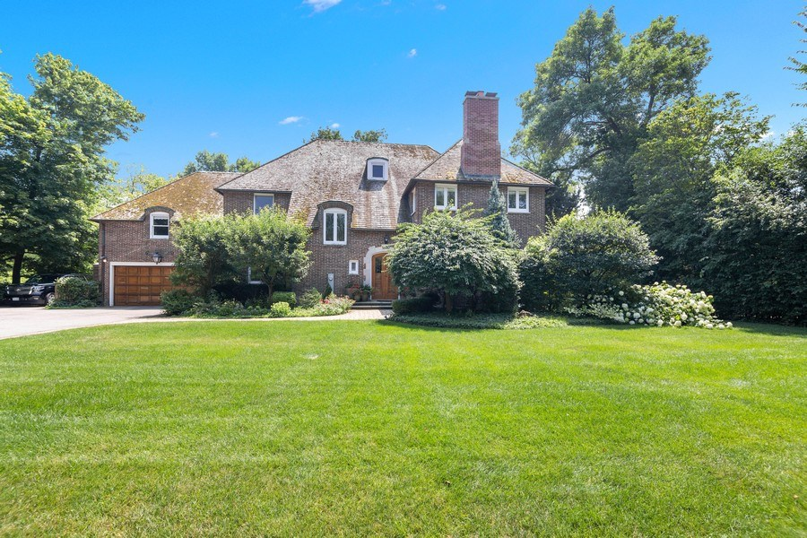 Real Estate Photography - 1330 Westmoor Trail, Winnetka, IL, 60093 - Front View