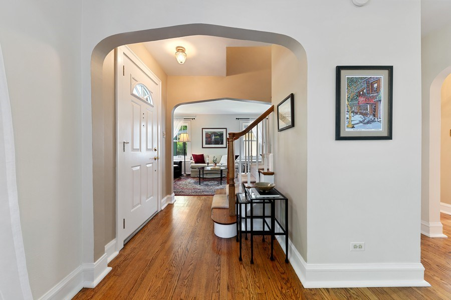 Real Estate Photography - 133 Barrypoint Rd, Riverside, IL, 60546 - Foyer