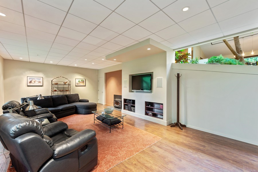 Real Estate Photography - 3 Wood Rock Rd, Barrington Hills, IL, 60010 - Family Room