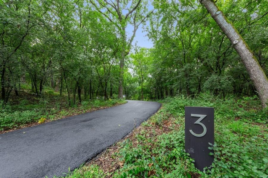 Real Estate Photography - 3 Wood Rock Rd, Barrington Hills, IL, 60010 - Driveway