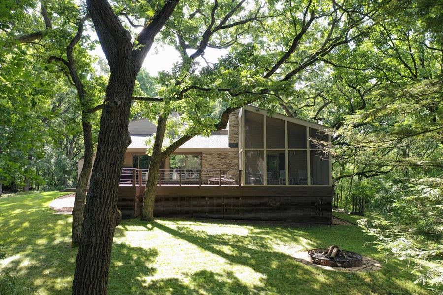 Real Estate Photography - 3 Wood Rock Rd, Barrington Hills, IL, 60010 - Porch and Deck
