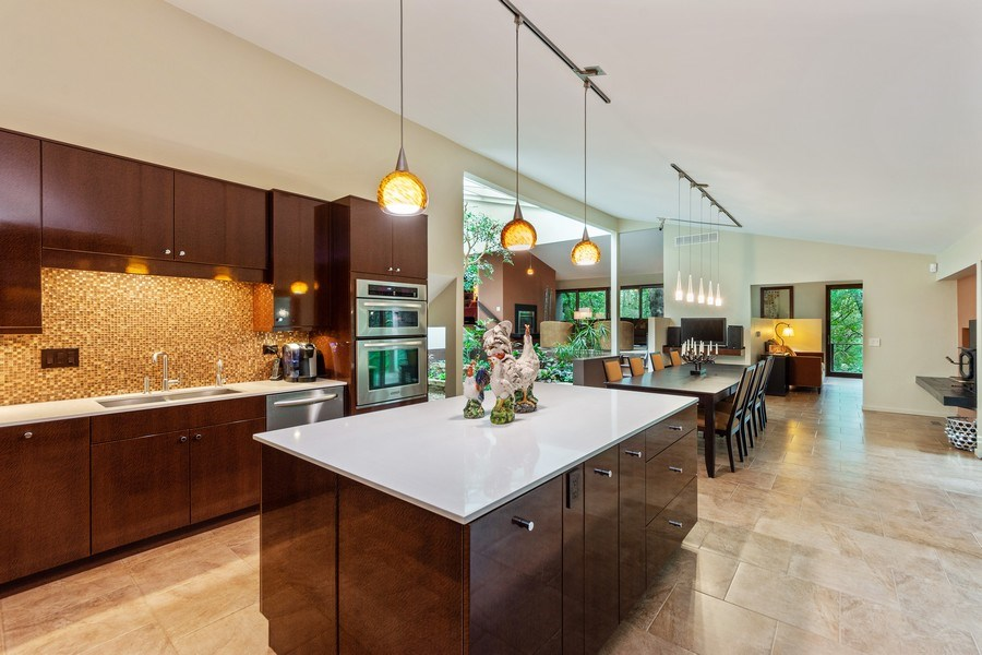 Real Estate Photography - 3 Wood Rock Rd, Barrington Hills, IL, 60010 - Kitchen / Dining Room
