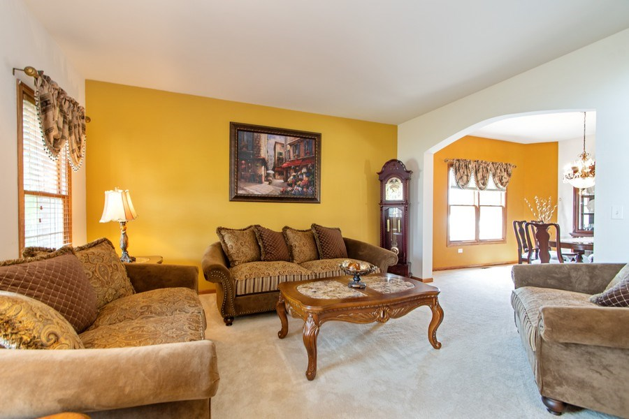 Real Estate Photography - 18284 Semmler Drive, Tinley Park, IL, 60487 - Living Room