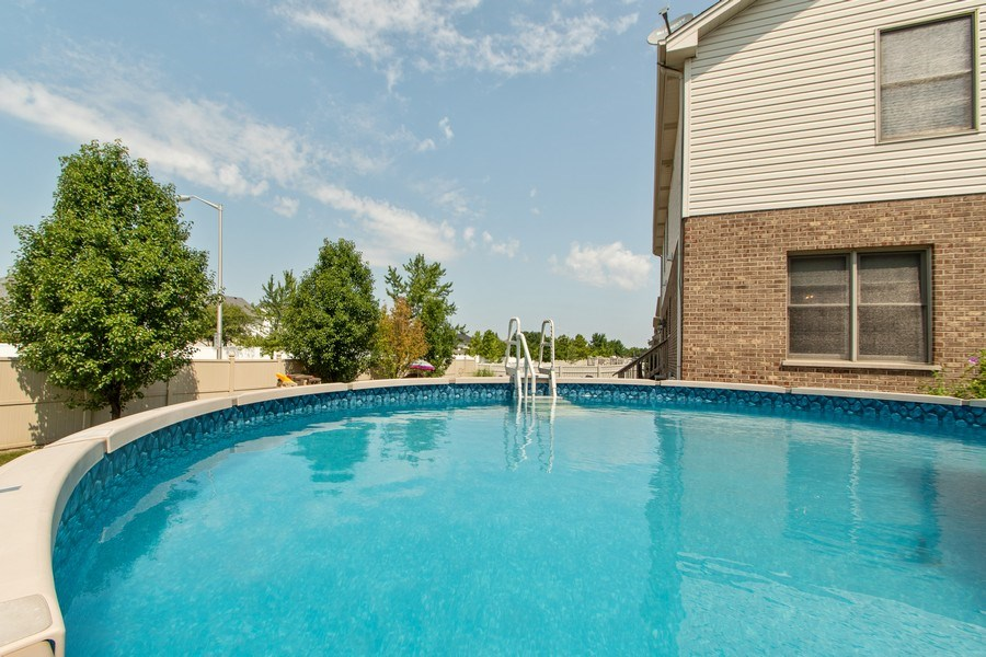 Real Estate Photography - 18284 Semmler Drive, Tinley Park, IL, 60487 - Pool