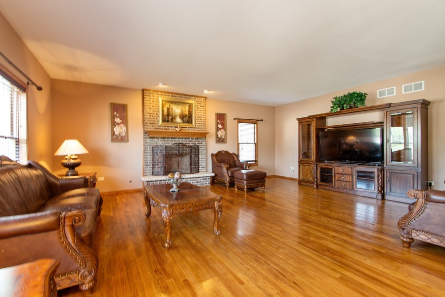 Real Estate Photography - 18284 Semmler Drive, Tinley Park, IL, 60487 - Family Room