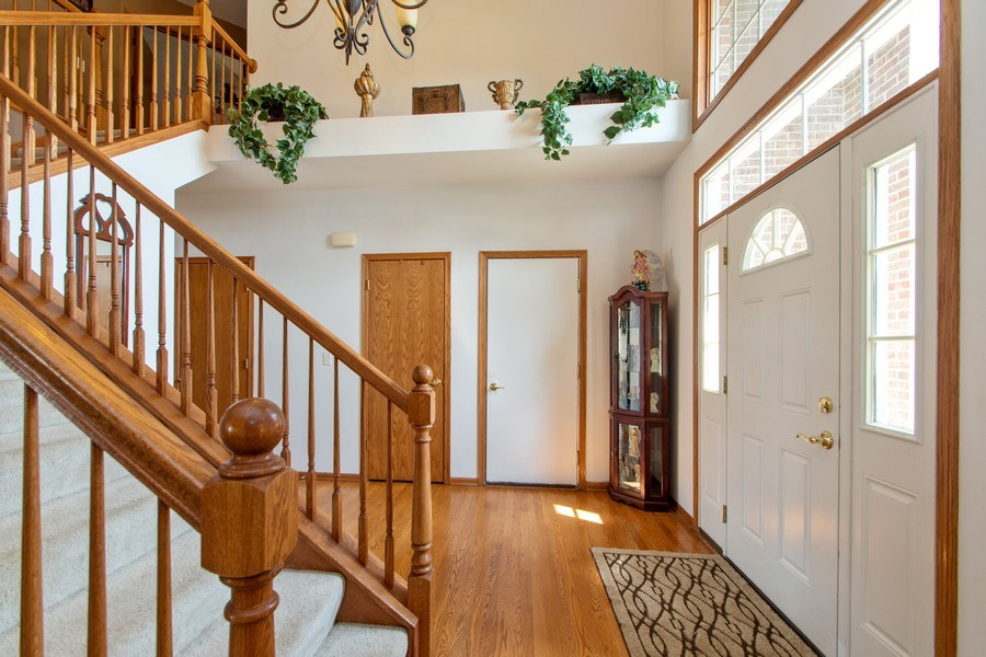 Real Estate Photography - 18284 Semmler Drive, Tinley Park, IL, 60487 - Foyer